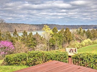 NEW! 3BR Monticello House w/ Lake Views! - Lamont vacation rentals