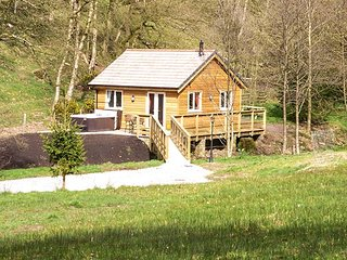 PARK BROOK RETREAT, ground floor, wooden chalet beside brook, hot tub - Garstang vacation rentals