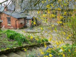 ROCK FARM, detached, woodburner, privatae garden, in Ottery St Mary, Ref 954158 - Fenny Bridges vacation rentals