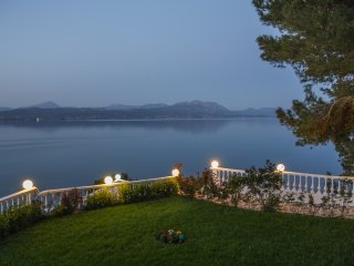Spacious lux Villa with breathtaking Sea View - Dilesi vacation rentals