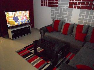 BEL APPARTEMENT 2 pièces à Abidjan cocody 2 plateaux 7ème tranche bien sécurisé. - Abidjan vacation rentals