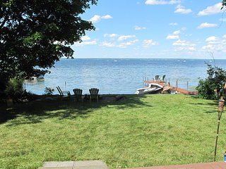 Oneida Lake Custom Home w/ 100' Lake Frontage 3 Bedroom/3 Bath w/Amazing Views - Bridgeport vacation rentals
