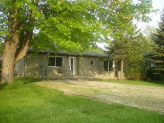 Nice 3 bedroom Grand Bend Cottage with Internet Access - Grand Bend vacation rentals