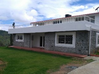 Stone Valley Cottage. A marvelous place to stay - Ootacamund vacation rentals