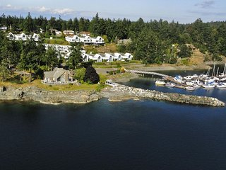 Spectacular oceanside luxury estate with panoramic ocean views - Nanoose Bay vacation rentals