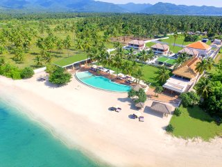Beachfront-Suite Ocean Suite View for 4 Pax - Tanjung vacation rentals