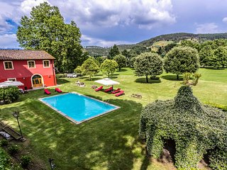 Casa Felice Matteucci, Sleeps 12 - Capannori vacation rentals