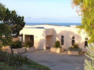 Perfect 4 bedroom Gnarabup House with Internet Access - Gnarabup vacation rentals