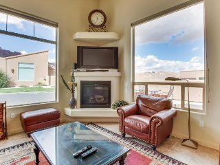 Lovely townhome w/ private hot tub, seasonal pool access, great views! - Moab vacation rentals