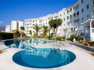 Cozy 2 bedroom Nerja Apartment with A/C - Nerja vacation rentals