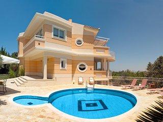 Spacious 5 bedroom Villa in Adele - Adele vacation rentals