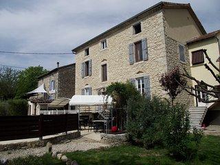 LE MAS DES ARCHES avec piscine - Chassezac - Vallon-Pont-d'Arc vacation rentals