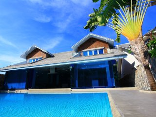 4 Bedroom Luxury Dream Villa with Private Pool Pratumnak Cosy Beach - Pattaya vacation rentals