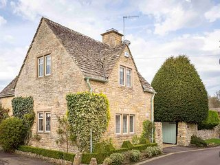 Mill Stream Cottage is a beautiful property, peacefully located on a quiet lane - Lower Slaughter vacation rentals