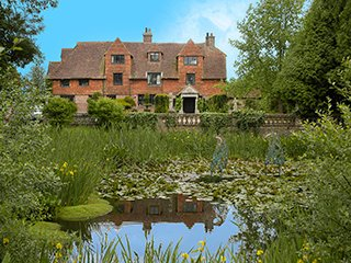 Charming House with Housekeeping Included and Television - Chiddingly vacation rentals