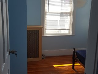 Convenient Stay in Quincy's Wollaston (2D) - Quincy vacation rentals