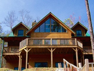 Serene Retreat 15 Min to Black Mtn 25 to Asheville Steps From National Forest - Ridgecrest vacation rentals