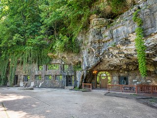 NEW! Unique 4BR Beckham Cave Home in Parthenon! - Parthenon vacation rentals