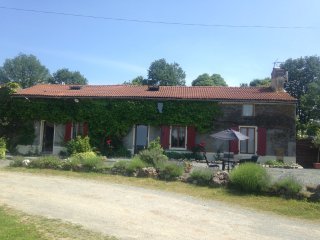 La boule Gites a picturesque peaceful getaway in SW France - Secondigny vacation rentals
