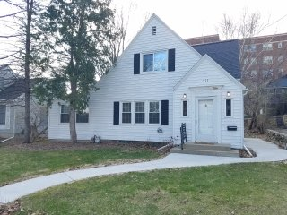 NEW LISTING 1/9/17! Charming & Quaint 3br/2ba, Just Outside Downtown - Rochester vacation rentals