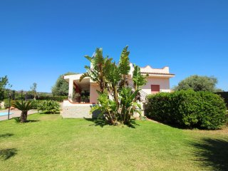 Nice 2 bedroom House in Floridia with Internet Access - Floridia vacation rentals