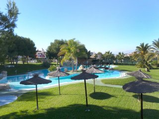 Comfortable House with A/C and Shared Outdoor Pool - Santa Pola vacation rentals