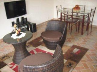 Location saisonnière meublée proche aéroport et mer - Libreville vacation rentals