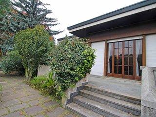Bright 3 bedroom House in Villa D'Adda with Television - Villa D'Adda vacation rentals