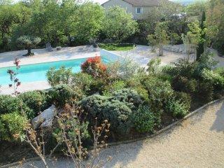 Gîtes du Mas de Molines avec piscine chauffée - Vogue vacation rentals