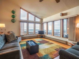 Magical Ocean Front Home in Yachats. Dog Friendly. Electric Car Charger! - Yachats vacation rentals