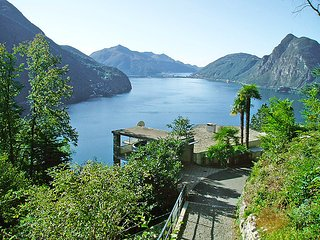 3 bedroom Villa in Ruvigliana, Ticino, Switzerland : ref 2298015 - Lugano vacation rentals