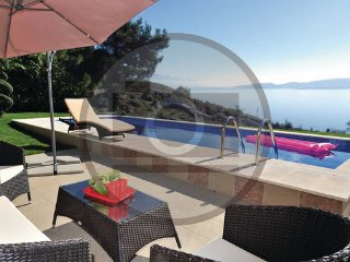 4 bedroom Villa in Omis-Lokva Rogoznica, Omis, Croatia : ref 2302676 - Lokva Rogoznica vacation rentals