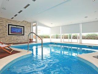 3 bedroom Villa in Split-Kucine, Split, Croatia : ref 2303076 - Zrnovnica vacation rentals