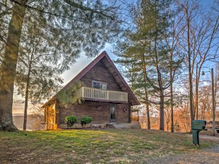 NEW! Rustic 5BR Byrdstown Cabin w/ Private Hot Tub - Byrdstown vacation rentals