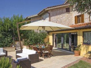 6 bedroom Villa in San Gimignano, San Gimignano / Volterra, Italy : ref 2303866 - Montecchio vacation rentals