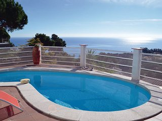 4 bedroom Villa in Blanes, Costa Brava, Spain : ref 2304009 - Blanes vacation rentals