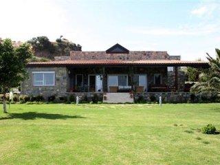4 bedroom Villa in Bodrum, Agean Coast, Turkey : ref 2307998 - Ortakent vacation rentals