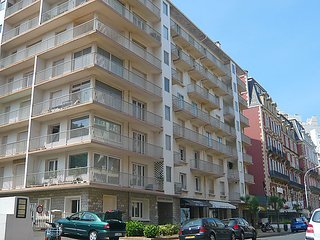 2 bedroom Apartment in Biarritz, Basque Country, France : ref 2369318 - Biarritz vacation rentals