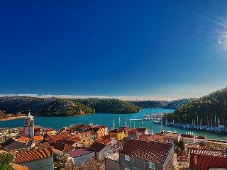4 bedroom Villa in Skradin, Central Dalmatia, Croatia : ref 2369472 - Skradin vacation rentals
