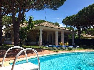 3 bedroom Villa in Conil de la Frontera, Costa de la Luz, Spain : ref 2369562 - Campano vacation rentals