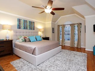 Medical Center/NRG Stadium/Museum District Luxury Lake Home - Southside Place vacation rentals