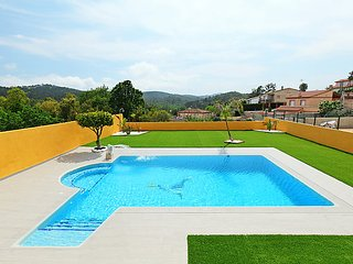 3 bedroom Villa in Lloret de Mar, Costa Brava, Spain : ref 2369796 - Riudarenes vacation rentals