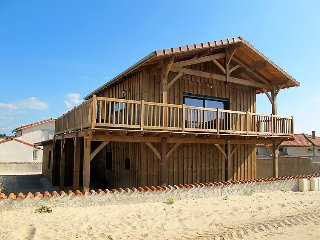 4 bedroom Villa in Mimizan, Les Landes, France : ref 2369848 - Mimizan vacation rentals