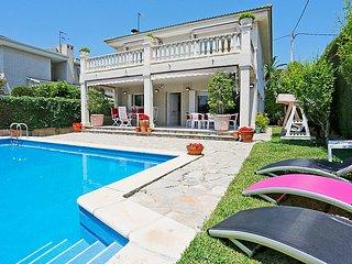 6 bedroom Villa in Cambrils, Costa Daurada, Spain : ref 2370336 - Cambrils vacation rentals