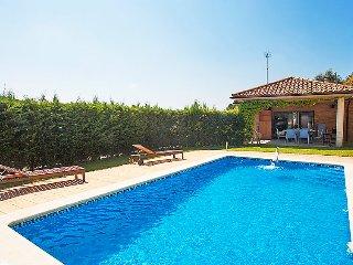 4 bedroom Villa in Arenys de Munt, Barcelona Costa Norte, Spain : ref 2370366 - Arenys de Munt vacation rentals