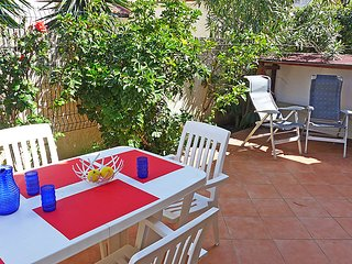 3 bedroom Villa in Canet Plage, Pyrenees Orientales, France : ref 2370980 - Canet-en-Roussillon vacation rentals