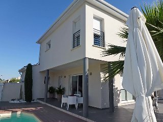 3 bedroom Villa in Aigues Mortes, Gard Lozere, France : ref 2371179 - Aigues-Mortes vacation rentals