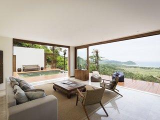 Bright 3 bedroom Selong Belanak Villa with Internet Access - Selong Belanak vacation rentals