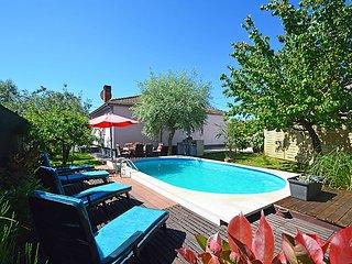 3 bedroom Villa in Stinjan, Istria, Croatia : ref 2371341 - Pula vacation rentals