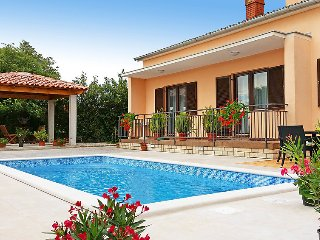 4 bedroom Villa in Pula Vodnjan, Istria, Croatia : ref 2371717 - Glavani vacation rentals